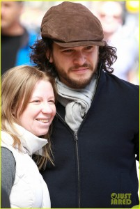 kit-harington-greets-his-fans-before-a-performance-02